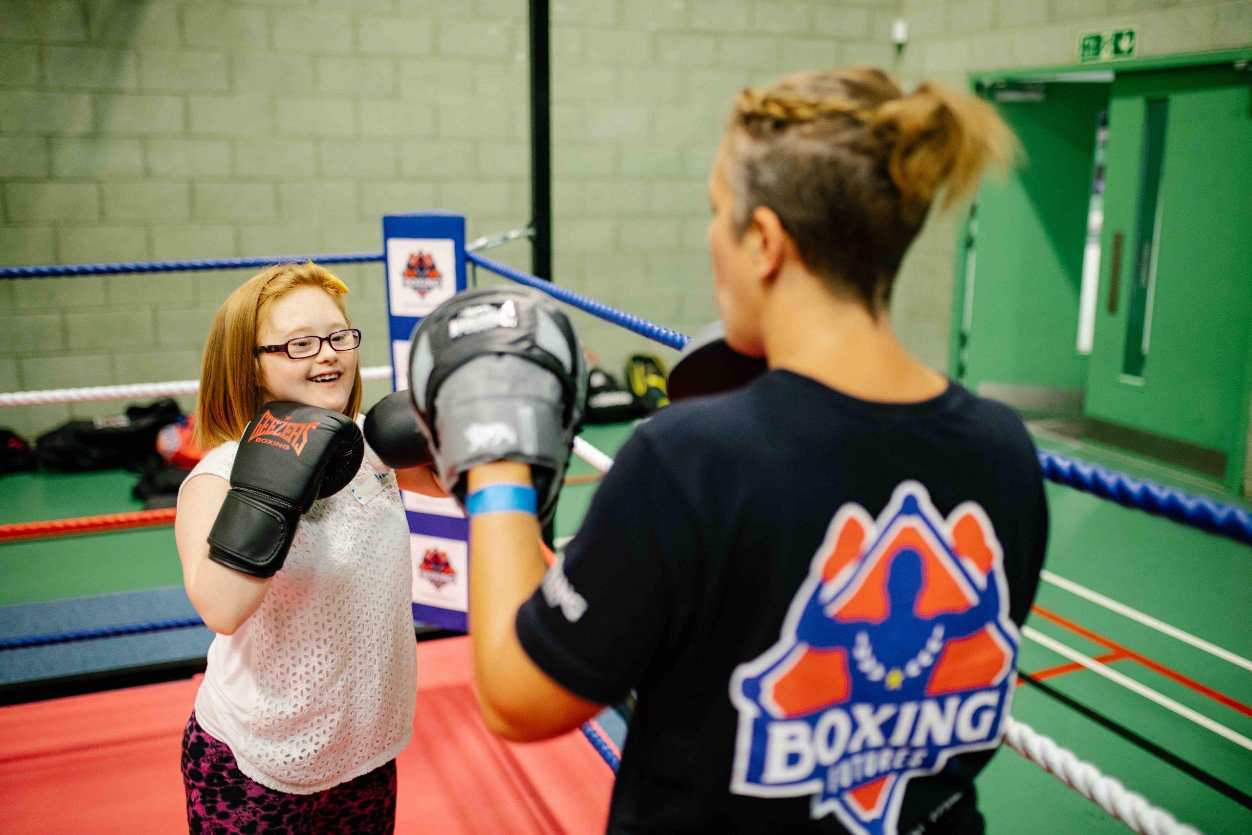 girl boxing